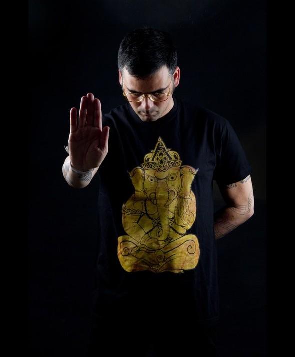Camiseta Kusama Thai Elephant Oro, Sontaya 02