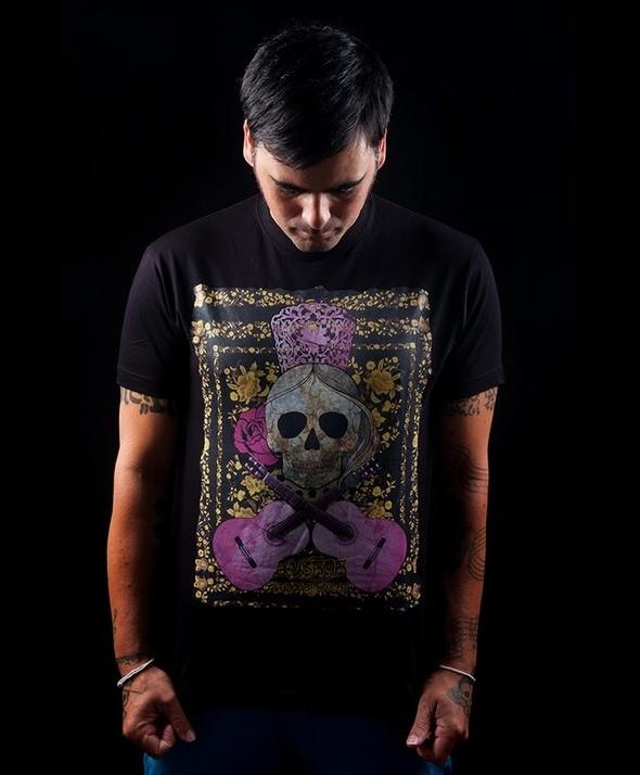 Skulls and guitars Kusama Tshirt