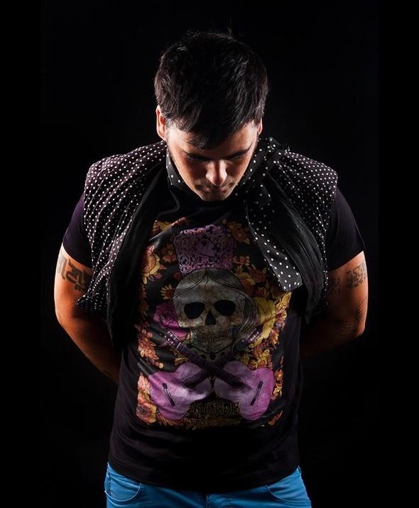 Camiseta Kusama Calavera y manton 03