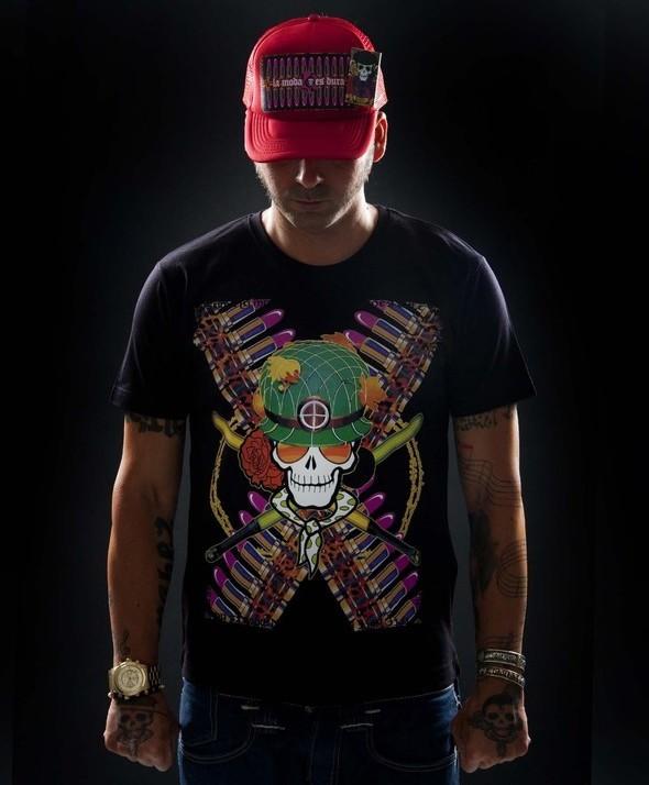 Camiseta Kusama War Negra
