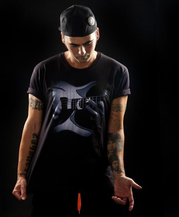 Camiseta Kusama Bass Star