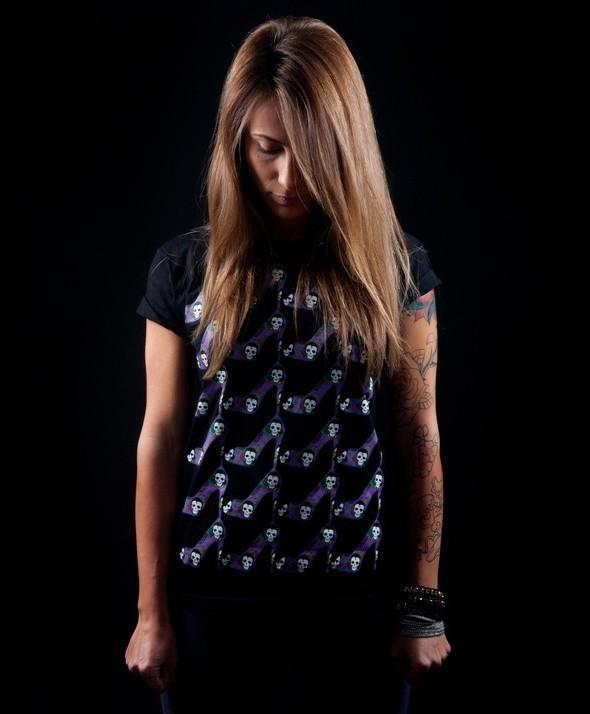 Camiseta Básica Kusama Zapato Flamenco